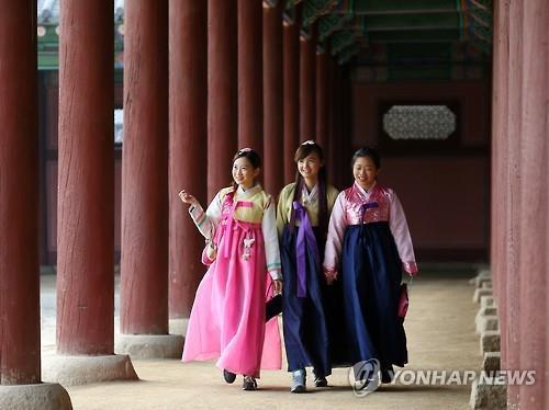 한국 찾는 외국인 관광객 新주류는 中·日 20∼30대 여성
