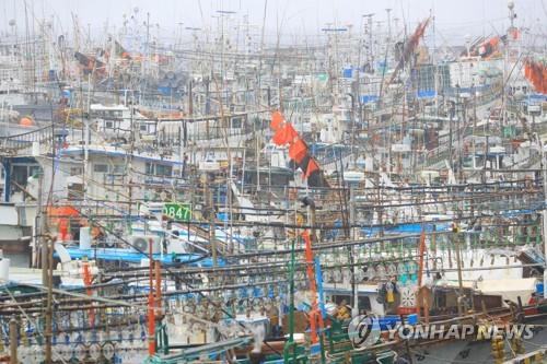 태풍 '다나스' 접근…남부지방 강풍·호우