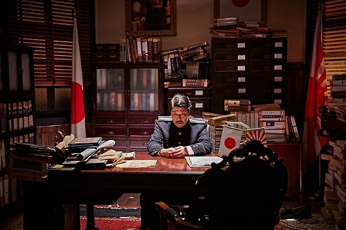 "A still of ""The Age of Shadows"" (Yonhap)"