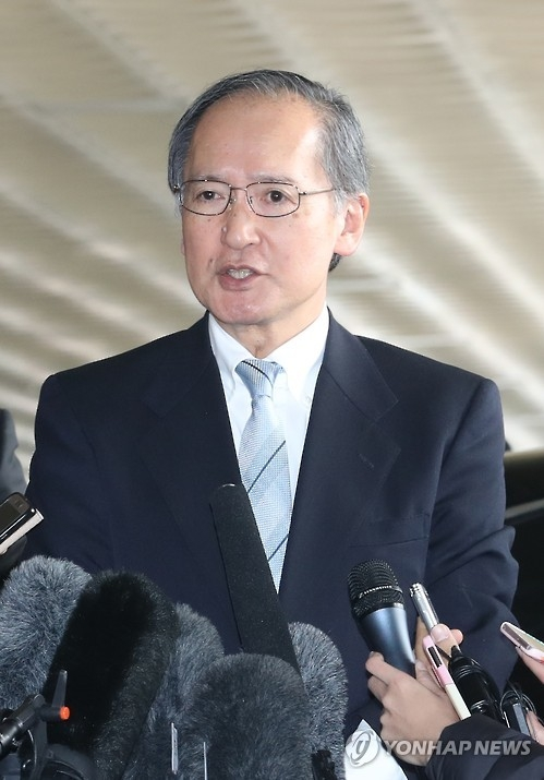 "Japanese Ambassador to South Korea Yasumasa Nagamine talks to reporters before returning to Japan on Jan. 9, 2017, in protest over a ""comfort woman"" statue erected in front of the Japanese consulate building in Busan. (Yonhap)"