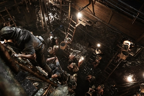 "This photo released by CJ Entertainment shows a scene from ""The Battleship Island."" (Yonhap)"