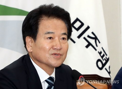 This file photo shows Chung Dong-young, the new chairman of the minor opposition Party for Democracy and Peace. (Yonhap)