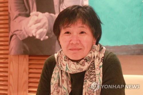 This file photo shows poet Heo Su-Kyoung. (Yonhap)