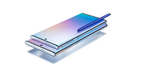 Samsung Electronics Co.'s Galaxy Note 10 with S-Pen stylus is shown in this photo provided by the company on Aug. 8, 2019. (PHOTO NOT FOR SALE) (Yonhap)