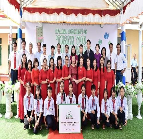 This photo, provided by the culture ministry, shows the opening ceremony of the Small Library at a middle school in Vietnam's Nam Dinh Province on Sept. 18, 2019. (PHOTO NOT FOR SALE) (Yonhap)