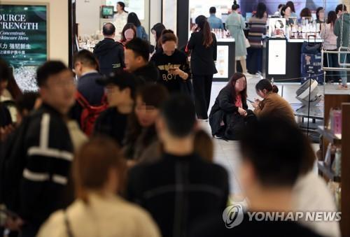 Duty-free sales hit new monthly high in Aug.