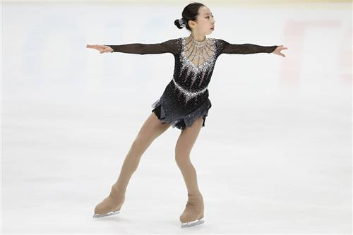 In this photo captured from the International Skating Union's Instagram page, South Korean figure skater Park Yeon-jeong performs her free skate at the ISU Junior Grand Prix event in Lake Placid, New York, on Aug. 31, 2019. (PHOTO NOT FOR SALE) (Yonhap)
