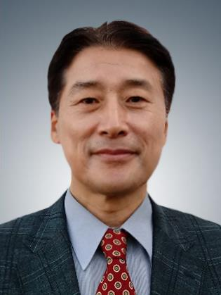 Kim Chang-yong, new standing member of the Korea Communications Commission, is shown in this photo provided by Cheong Wa Dae. (PHOTO NOT FOR SALE) (Yonhap)