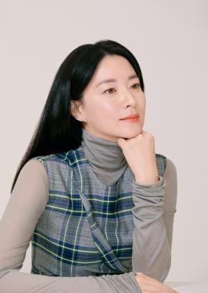 (Yonhap Interview) Actress Lee Young-ae wants to seek work-life balance