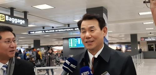 Jeong Eun-bo, South Korea's top negotiator for the Special Measures Agreement, speaks to reporters at Washington's Dulles International Airport on Dec. 2, 2019. (Yonhap)