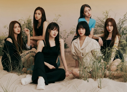 This image of GFriend was provided by Source Music. (PHOTO NOT FOR SALE) (Yonhap)