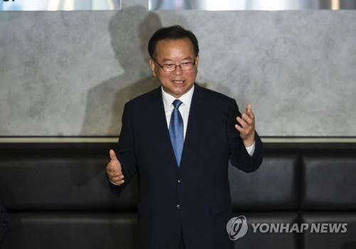 This image shows former lawmaker Kim Boo-kyum, who is planning to run in the August leadership election of the ruling Democratic Party. (Yonhap)
