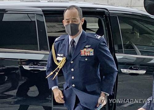 Takashi Matsumoto, a Japanese military attache stationed in Seoul, enters the Joint Chiefs of Staff building inside South Korea's defense ministry compound on July 14, 2020, as he was called in over Japan's renewed territorial claims to South Korea's easternmost islets of Dokdo. (Yonhap)