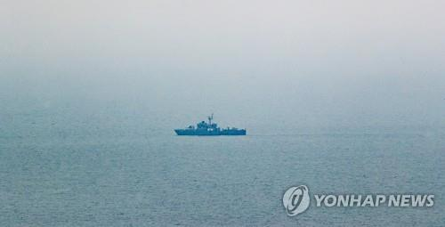 A high-speed boat of the Navy moves in waters off Yeonpyeong Island in the Yellow Sea on June 29, 2020. (Yonhap)