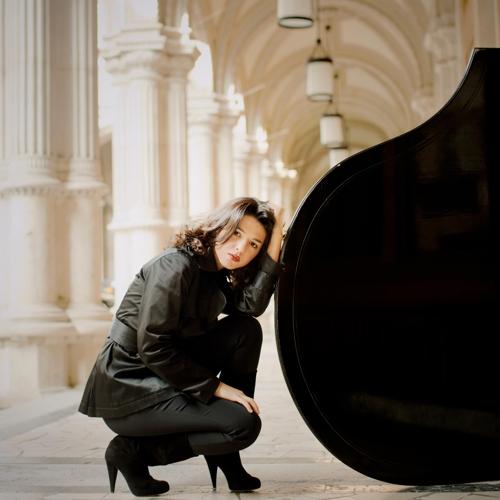 조지아 출신 피아니스트 카티아 부니아티쉬빌리
