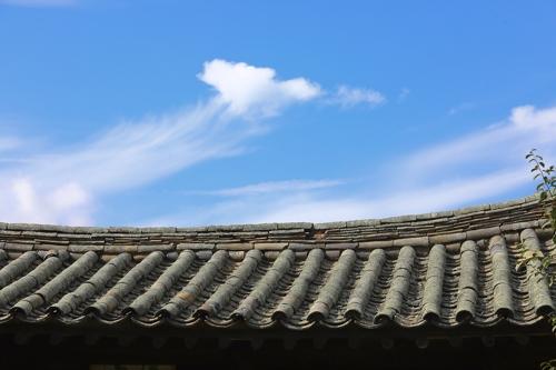 경주 최씨 가옥과 가을 하늘 [사진/성연재 기자]