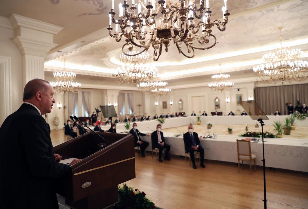 EU 대사들 앞에서 연설하는 레제프 타이이프 에르도안 터키 대통령