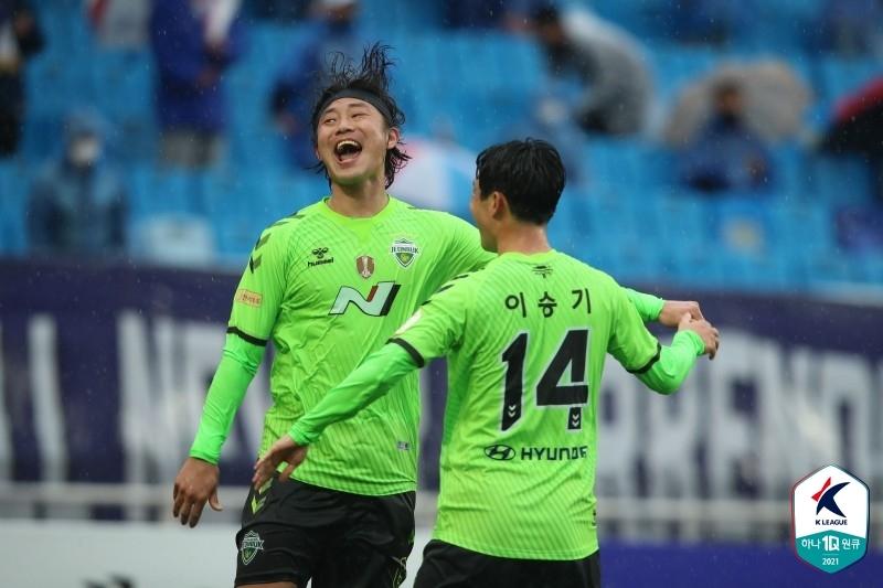 K 리그 1 전북, 수원에서 3-1 승리 … 무패 개막, 유지 보수