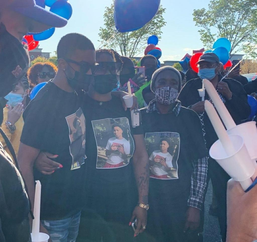 총격 사망한 13살 중학생 추모 집회