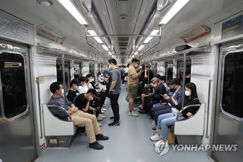 서울 지하철 객차(기사와 직접 관련 없음)