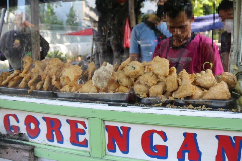인도네시아의 '고렝안'(튀김) 노점 자료사진