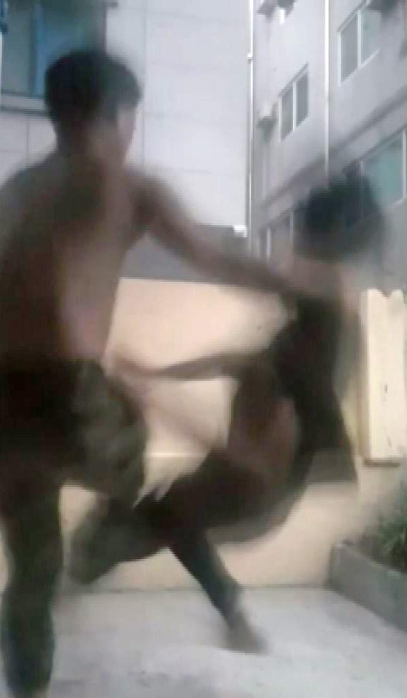 중학생들이 1년 넘게 동급생 집단폭행하고 동영상 SNS에 공유 | 연합뉴스