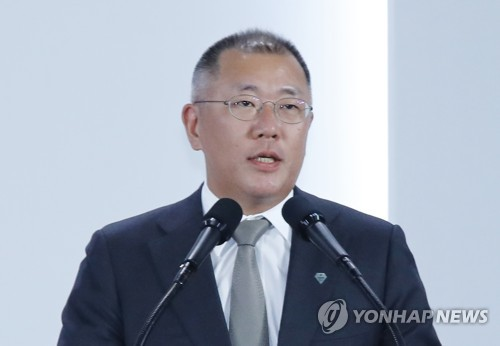Hyundai heir apparent buys Hyundai Motor, Mobis stocks to boost prices