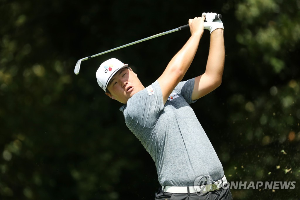 In this Getty Images file from Aug. 22, 2019, Im Sung-jae of South Korea hits a shot at the second hole during the first round of the Tour Championship at East Lake Golf Club in Atlanta. (Yonhap)