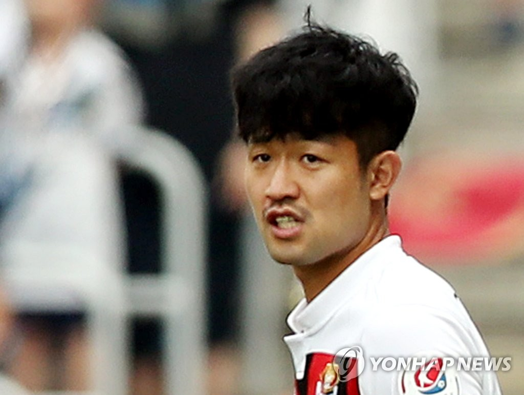 This file photo from July 22, 2018, shows FC Seoul midfielder Lee Sang-ho during a K League 1 match against Incheon United in Incheon, 40 kilometers west of Seoul. (Yonhap)