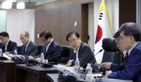 (4th LD) Cheong Wa Dae urges N. Korea to stop firing projectiles, calls for upgrade of inter-Korean ties