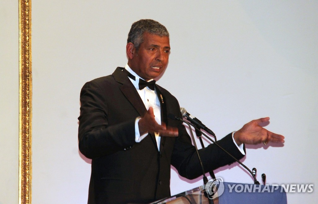 In this photo taken Nov. 20, 2020, former USFK Commander Vincent Brooks delivers a keynote speech during a dinner meeting presided over by the Korea Society, a nonprofit organization set to promote bilateral ties between the two countries, at the Plaza Hotel in New York. (Yonhap)