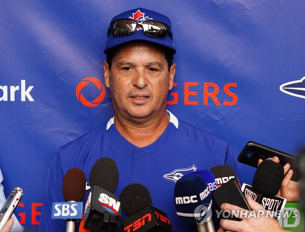 Charlie Montoyo, manager of the Toronto Blue Jays, speaks to reporters at TD Ballpark, the site of the club's spring training, in Dunedin, Florida, on Feb. 13, 2020. (Yonhap)