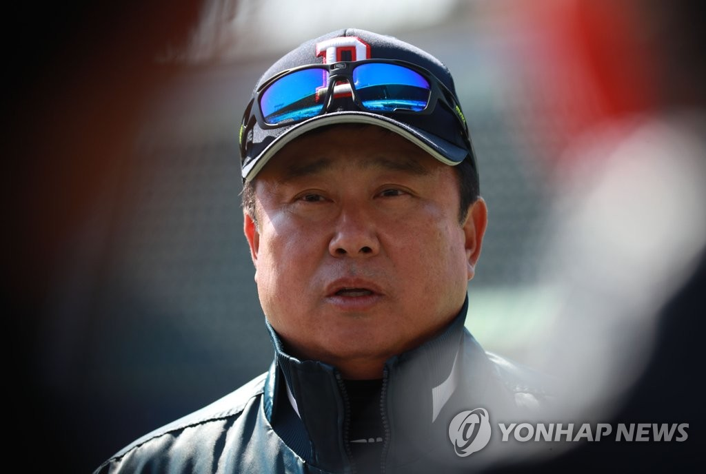 This file photo from March 11, 2020, shows Doosan Bears' manager Kim Tae-hyoung during the Korea Baseball Organization club's practice at Jamsil Stadium in Seoul. (Yonhap)