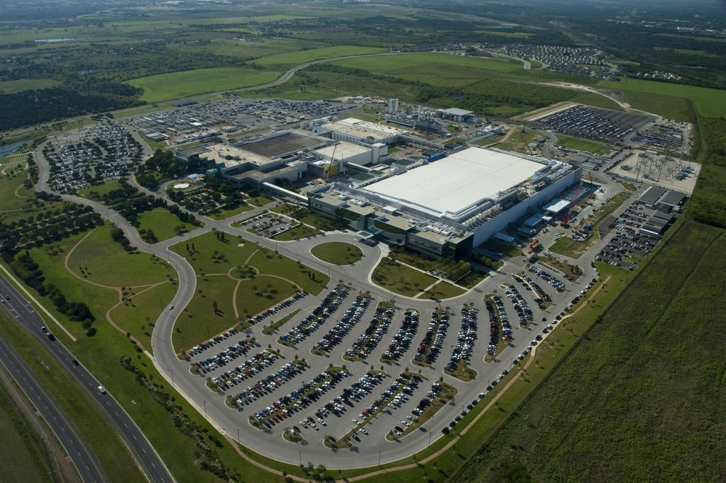 This photo provided by Samsung Electronics Co. shows the company's chip plant in Austin, Texas. (PHOTO NOT FOR SALE) (Yonhap)